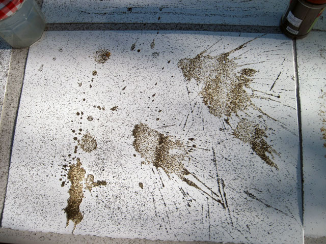 Iron filings in a splatter